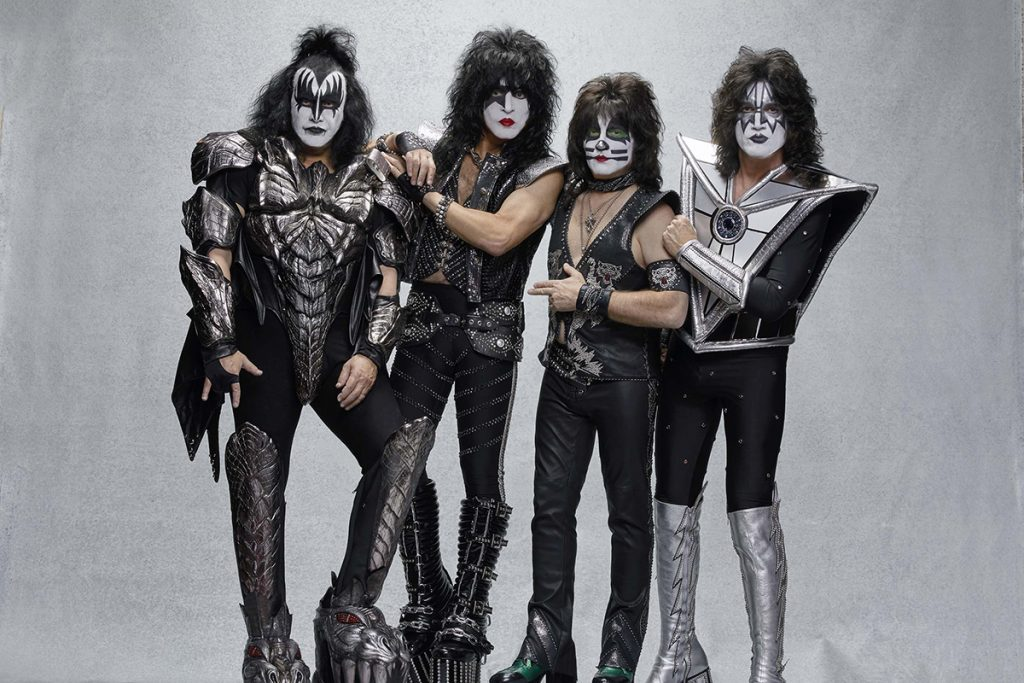 "KISS DESEMBARCA EM CURITIBA COM ""END OF THE ROAD"" TOUR"
